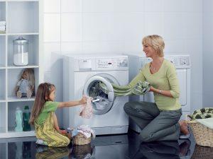 Máy Giặt Lồng Ngang Và Những Điều Cần Lưu Ý