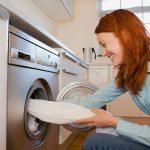 Làm sao để khắc phục mùi hôi và tiềng ồn của máy giặt