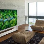 Smart Tivi OLED LG 8K OLED88ZXPTA tôn nên vẻ đẹp sang trọng và đẳng cấp cho không gian phòng khách gia đình bạn