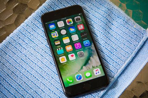 Làm thế nào để khắc phục lỗi khi iPhone 7 bị rơi xuống nước