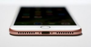 Công dụng bất ngờ khi điện thoại iPhone 7 bỏ cổng tai nghe quen thuộc