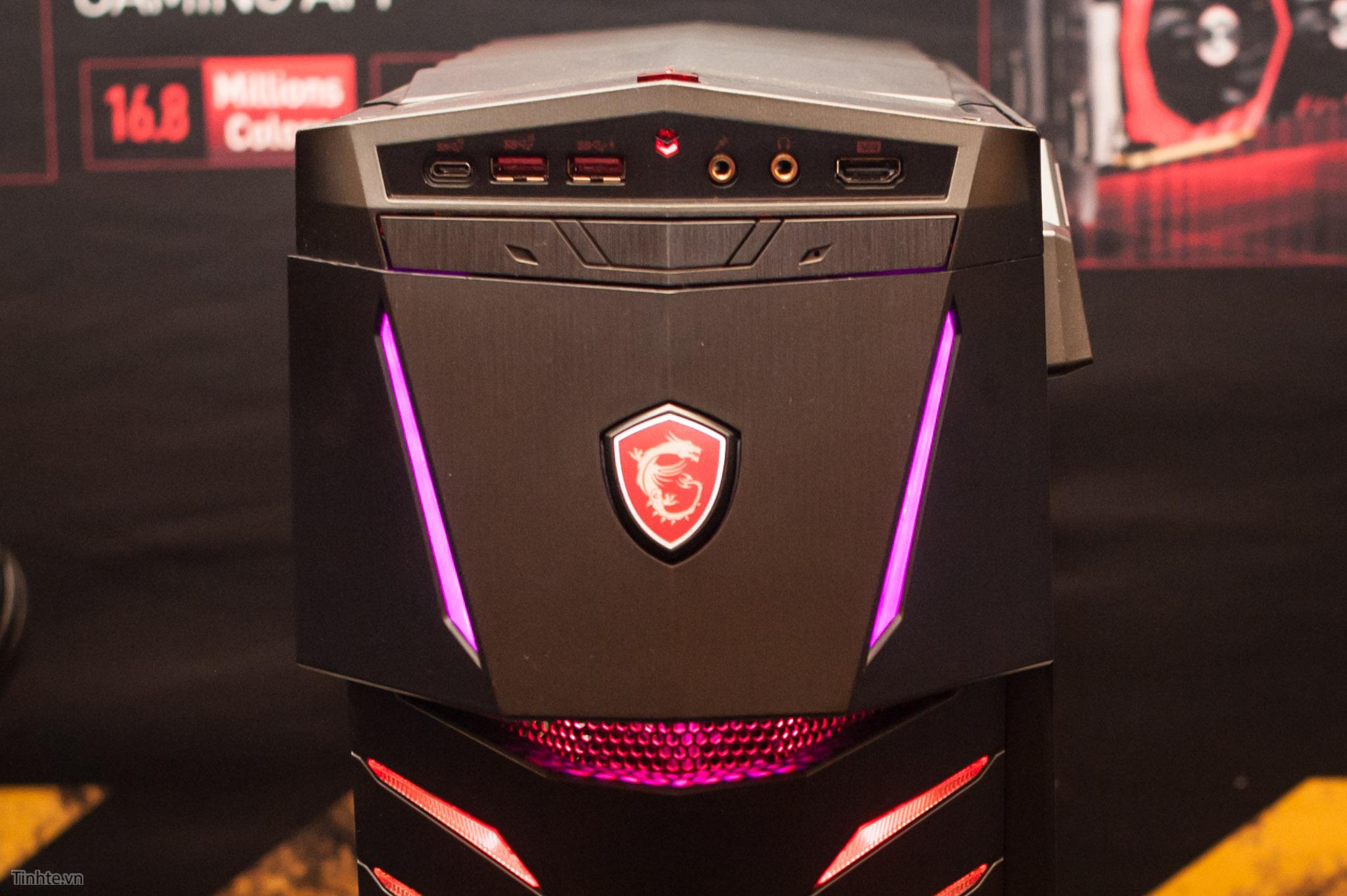 MSI Aegis Ti3: máy bàn chơi game hình đầu robot, CPU dòng K, 2 x GTX 1080 SLI